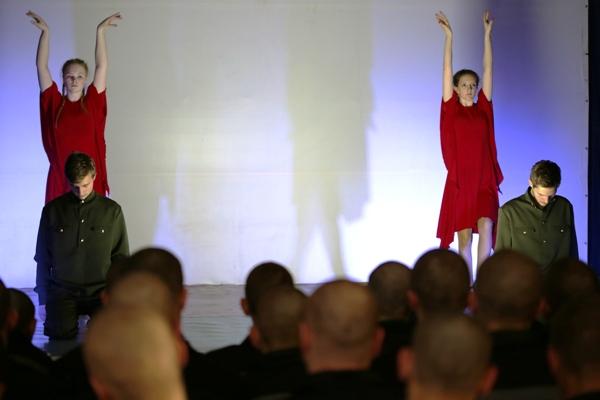 Студенты МГЭУ выступили в Можайской ВК с театральной постановкой, посвященной Великой Отечественной войне