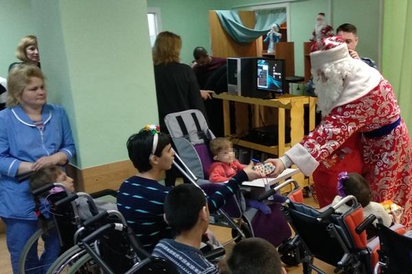 Воспитанники Можайской ВК посетили с благотворительным визитом Уваровский дом-интернат
