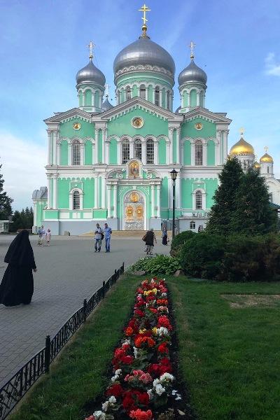 Ветераны уголовно-исполнительной системы Московской области совершили паломническую поездку Дивеево- Муром