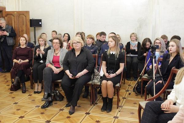 в Центральном доме журналиста в Москве состоялась торжественная церемония награждения призеров и лауреатов X Всероссийского конкурса журналистских работ «В фокусе – детство»